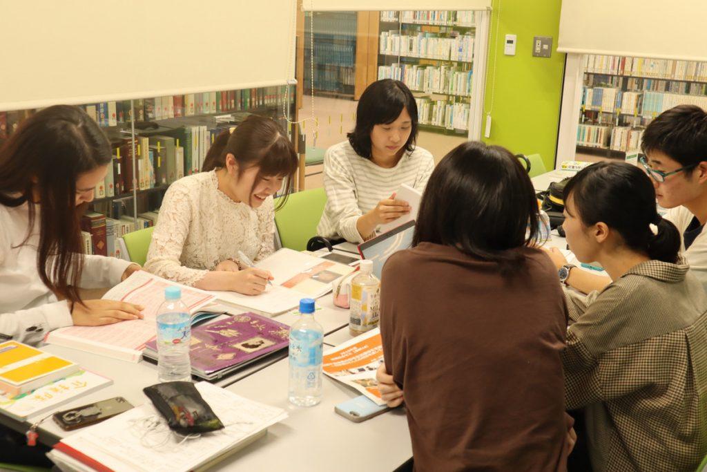連携総合ゼミ・図書館